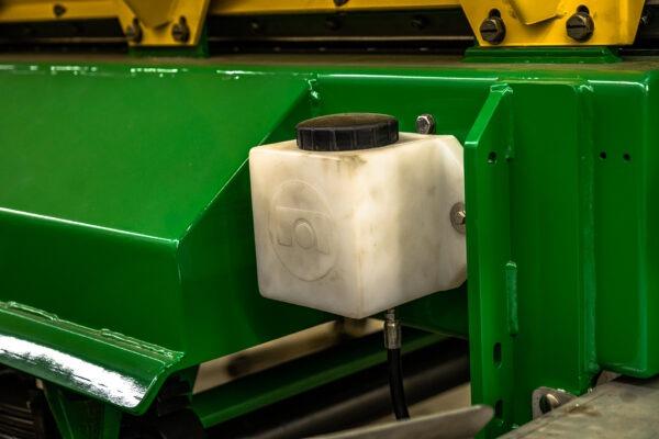 L36G Spinner Deck Oiler Tank