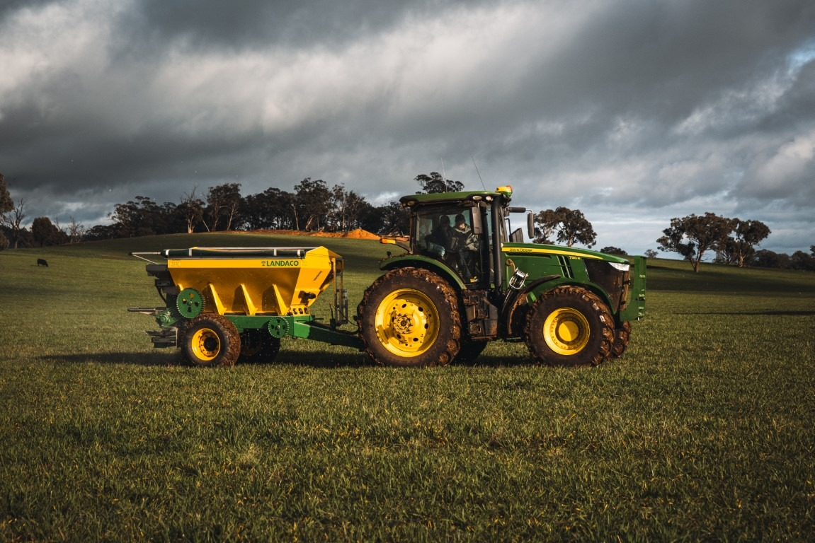Landaco T60 on Tractor