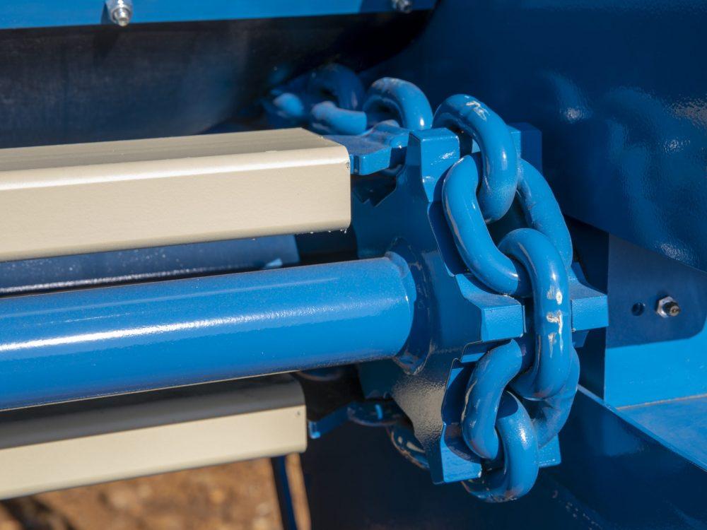 Lowlander-Mk4-floor-chains-scaled
